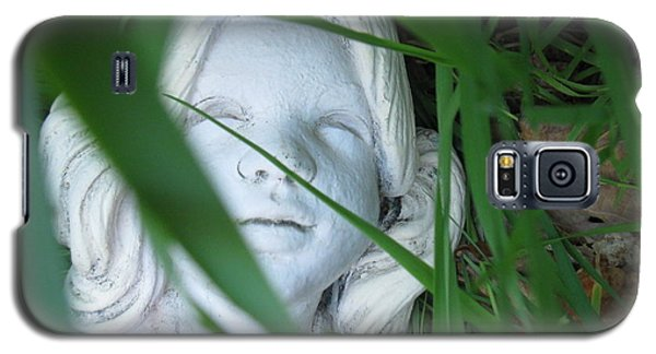 Galaxy S5 Case featuring the photograph She Is There by Amy Sorrell