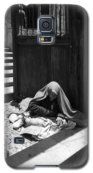Galaxy S5 Case featuring the photograph Silent Desperation by Lynn Palmer
