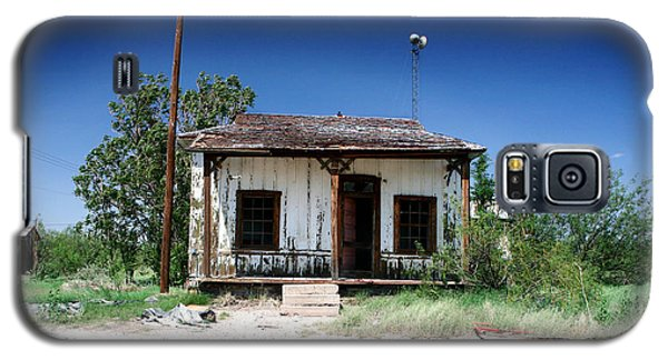 Galaxy S5 Case featuring the photograph Somewhere On The Old Pecos Highway Number 3 by Lon Casler Bixby