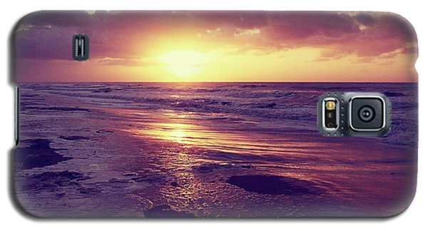 Galaxy S5 Case featuring the photograph South Carolina Sunrise by Phil Perkins