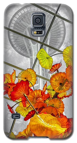 Galaxy S5 Case featuring the photograph Space Needle In Review by Ken Stanback