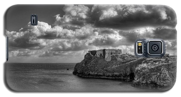 Galaxy S5 Case featuring the photograph St Catherines Rock Tenby by Steve Purnell
