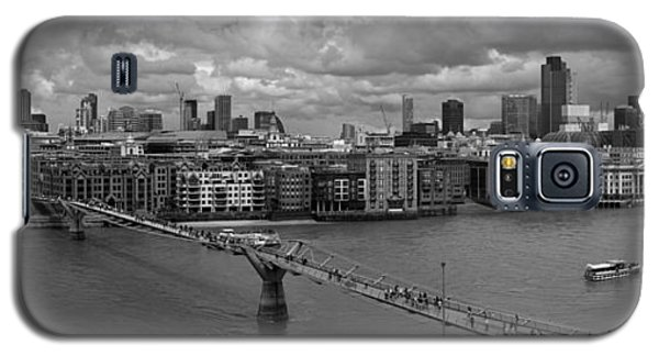 St Paul's And The City Panorama Bw Galaxy S5 Case