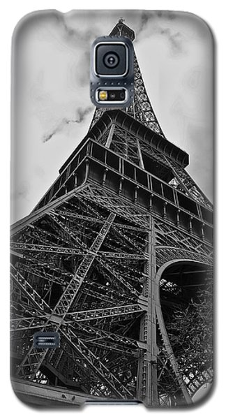 Galaxy S5 Case featuring the photograph Still Standing by Eric Tressler