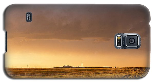 Galaxy S5 Case featuring the photograph Storm Clouds Over Dia by Monte Stevens