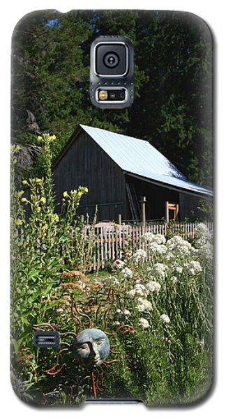 Galaxy S5 Case featuring the photograph Sun Barn by Lorraine Devon Wilke