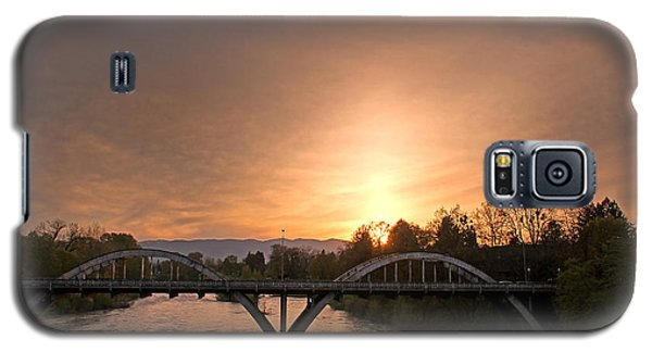 Sunburst Sunset Over Caveman Bridge Galaxy S5 Case by Mick Anderson