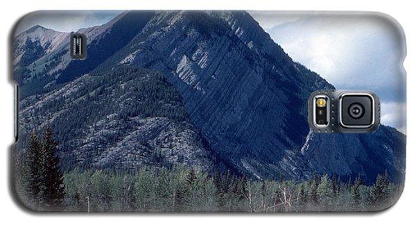 Sundance Lodge On The Kootenay Plains Galaxy S5 Case by Jim Sauchyn