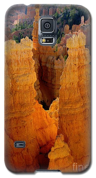 Sunrise At Bryce  Galaxy S5 Case by Vicki Pelham