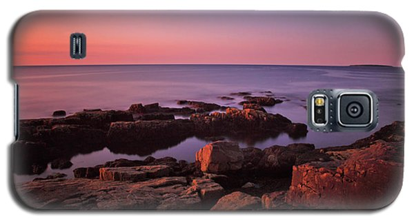 Otter Galaxy S5 Case - Sunrise At Otter Point by Rick Berk