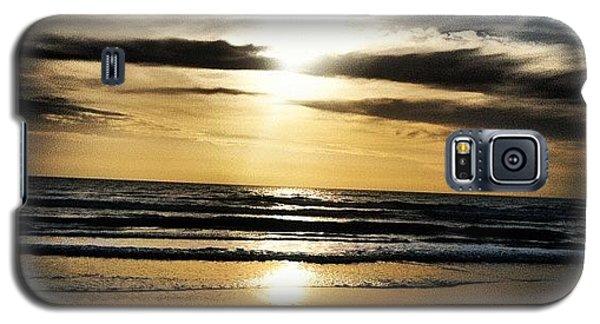 Bright Galaxy S5 Case - Sunrise On The Beach by Lea Ward