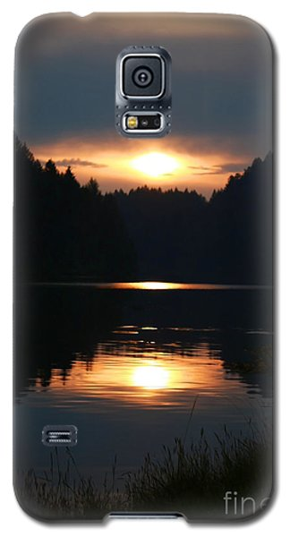 Galaxy S5 Case featuring the photograph Sunrise Reflection by Tyra  OBryant