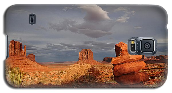 Sunset At Monument Valley Galaxy S5 Case by Melany Sarafis