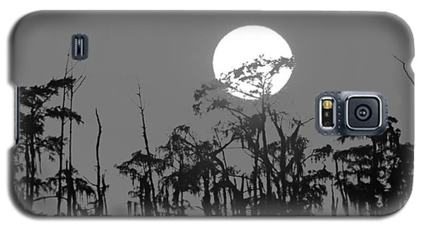 Galaxy S5 Case featuring the photograph Sunset In Swamp by Luana K Perez