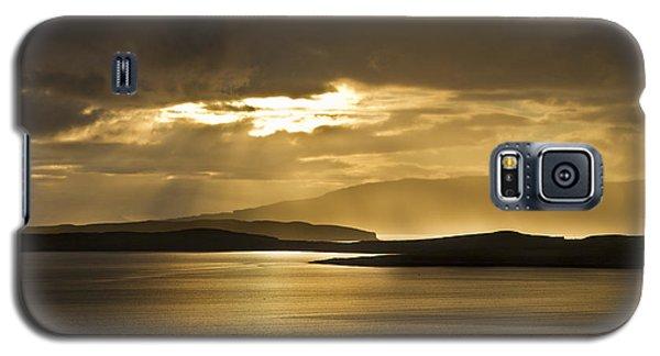 Sunset On Skye Galaxy S5 Case by Gabor Pozsgai