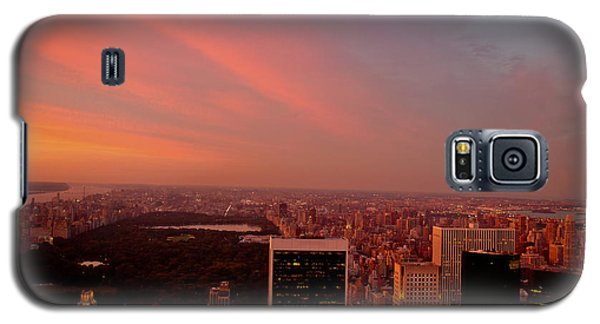 City Sunset Galaxy S5 Case - Sunset Over Central Park And The New York City Skyline by Vivienne Gucwa