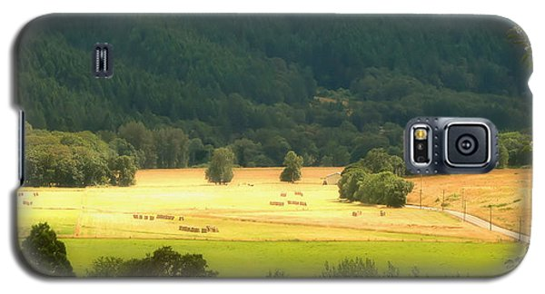 Galaxy S5 Case featuring the photograph Sunshine In The Valley by Katie Wing Vigil