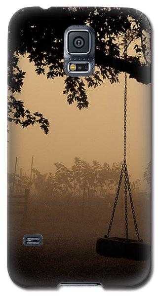 Swing In The Fog Galaxy S5 Case by Cheryl Baxter