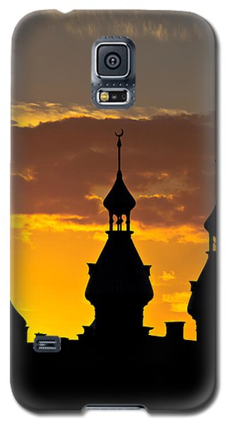 Galaxy S5 Case featuring the photograph Tampa Bay Hotel Minarets At Sundown by Ed Gleichman