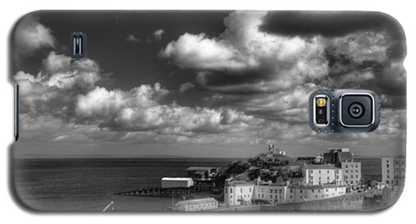Galaxy S5 Case featuring the photograph Tenby Harbour by Steve Purnell