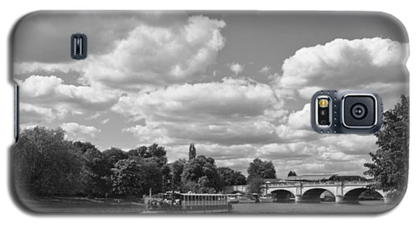 Galaxy S5 Case featuring the photograph Thames River Cruise by Maj Seda