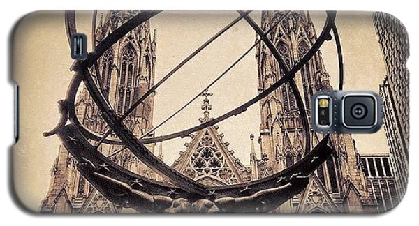 Religious Galaxy S5 Case - The Atlas & St. Patrick's Cathedral - by Joel Lopez
