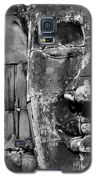 Galaxy S5 Case featuring the photograph The Face Of Angkor by Nola Lee Kelsey