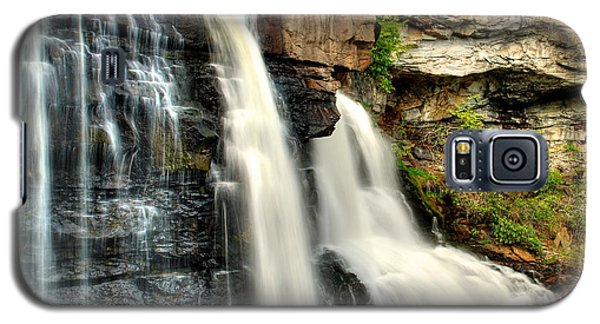 Galaxy S5 Case featuring the photograph The Face Of The Falls by Mark Dodd