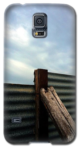 The Fence The Sky And The Beach Galaxy S5 Case by Andy Prendy