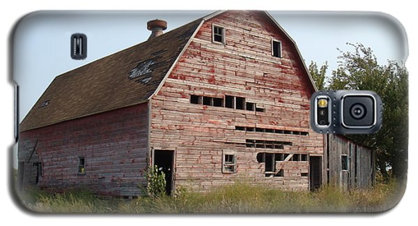 Galaxy S5 Case featuring the photograph The Hole Barn by Bonfire Photography