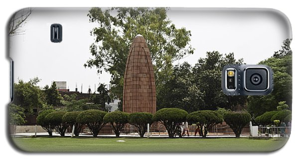 Galaxy S5 Case featuring the photograph The Jallianwala Bagh Memorial In Amritsar by Ashish Agarwal