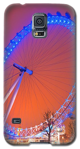 Galaxy S5 Case featuring the photograph The London Eye by Luciano Mortula