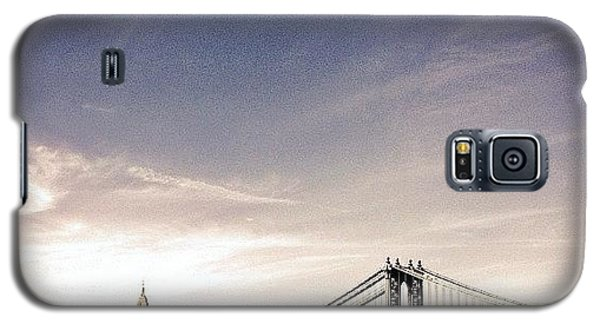The Manhattan Bridge And New York City Skyline Galaxy S5 Case by Vivienne Gucwa