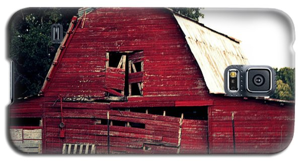 Galaxy S5 Case featuring the photograph The Ole Red Barn by Kathy  White