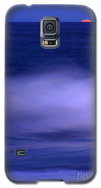 The Red Moon And The Sea Galaxy S5 Case