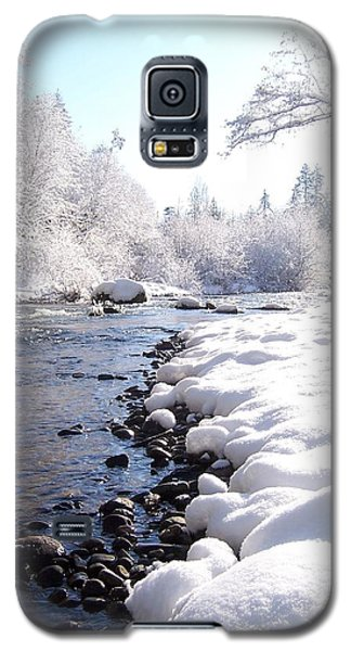 Galaxy S5 Case featuring the photograph The River In Winter by Peter Mooyman