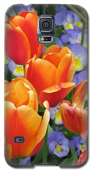 The Secret Life Of Tulips - 2 Galaxy S5 Case by Rory Sagner