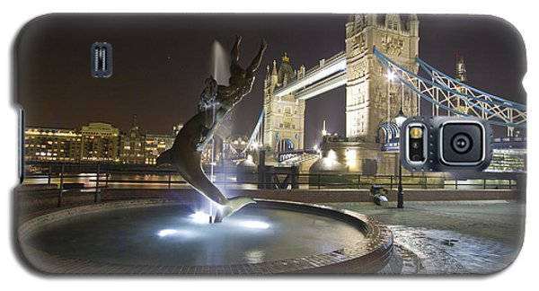 Tower Bridge Girl With A Dolphin Galaxy S5 Case by David French