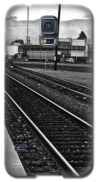 Galaxy S5 Case featuring the photograph train tracks - Black and White by Bill Owen
