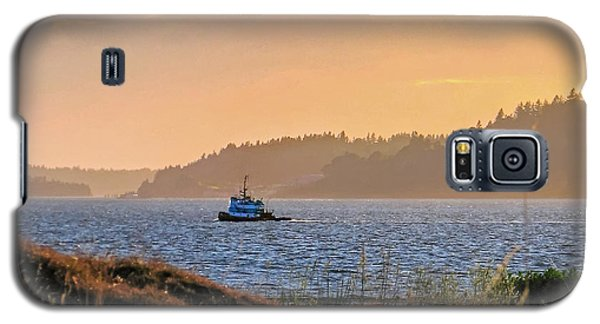 Twilight Tug -chambers Bay Golf Course Galaxy S5 Case by Chris Anderson