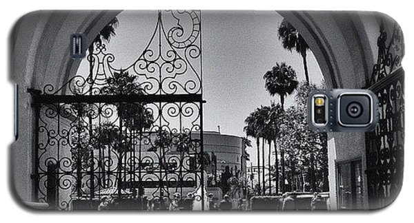 Movie Galaxy S5 Case - Under The Paramount Arch by Ric Spencer