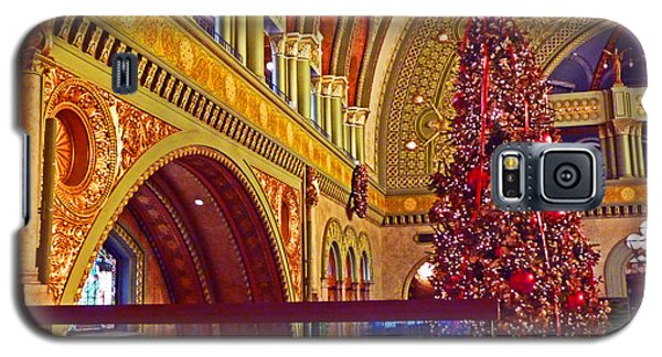 Galaxy S5 Case featuring the photograph Union Station Christmas by William Fields
