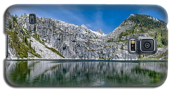 Upper Canyon Creek Lake Panorama Galaxy S5 Case by Greg Nyquist