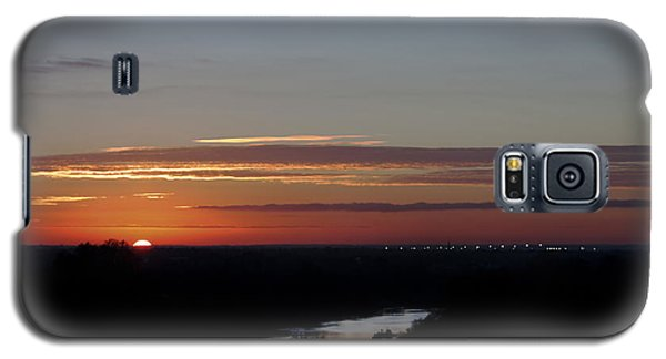 Galaxy S5 Case featuring the photograph Vanishing Sunset by Maj Seda