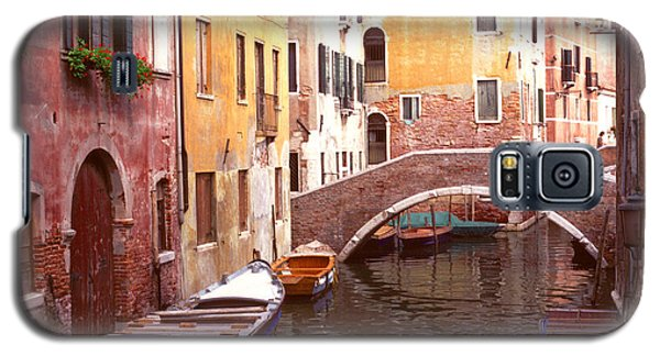 Galaxy S5 Case featuring the photograph Venice Bridge Over A Small Canal. by Tom Wurl