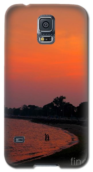 Galaxy S5 Case featuring the photograph Vibes Beach by Jesse Ciazza