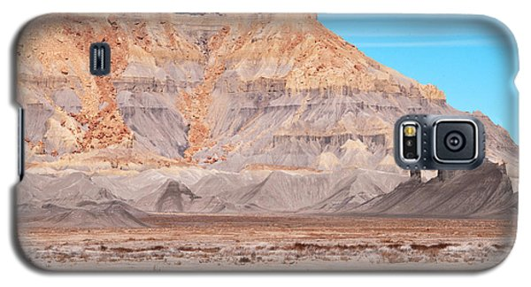 Galaxy S5 Case featuring the photograph View Along Rt 12 In Utah by Bob and Nancy Kendrick
