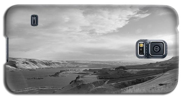 Galaxy S5 Case featuring the photograph View From The Hill Columbia River by Kathleen Grace