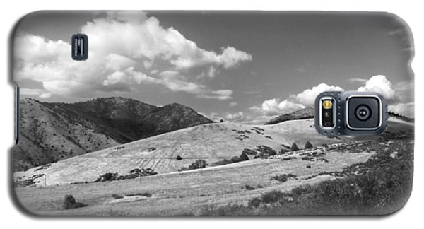 Galaxy S5 Case featuring the photograph View Into The Mountains by Kathleen Grace