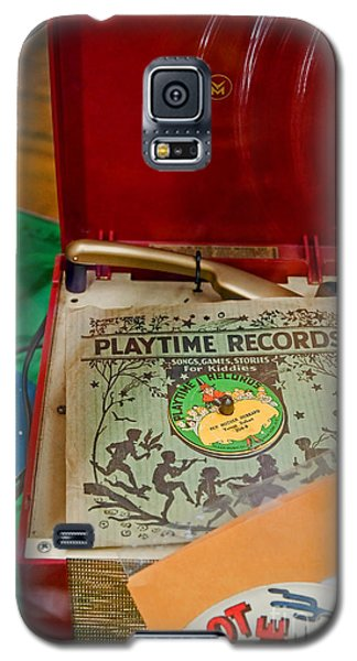Galaxy S5 Case featuring the photograph Vintage 45 Record Player And Record Albums by Valerie Garner